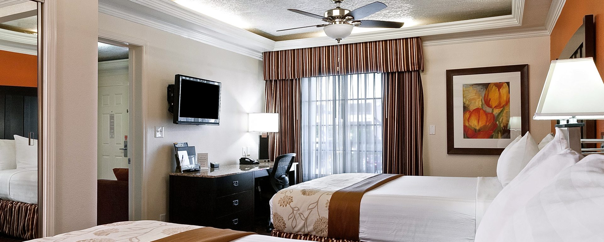 double queen bed suite at Park Vue Inn in Anaheim, CA