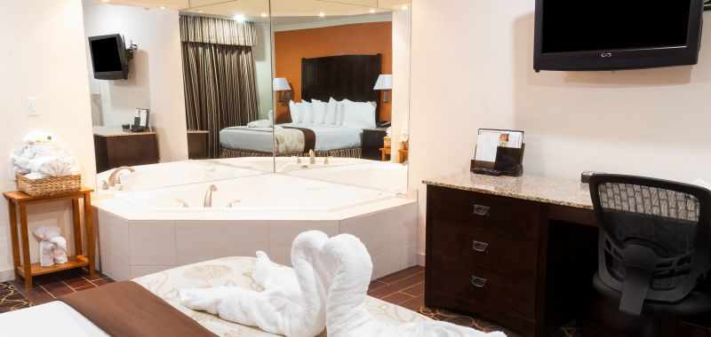 Hotels Near Disneyland Ca With Jacuzzi In Room